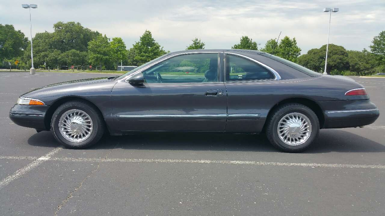 letgo 1994 lincoln mark viii in three point tx. Black Bedroom Furniture Sets. Home Design Ideas