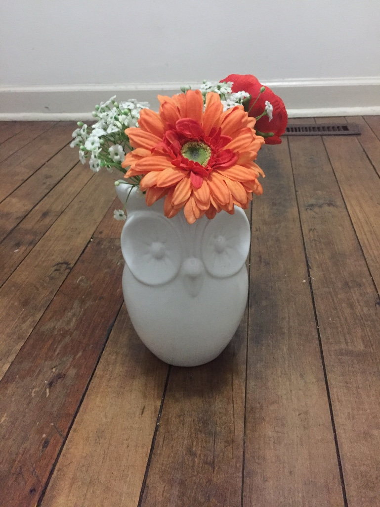 Letgo White Ceramic Owl Designed Vase In Cleveland Oh