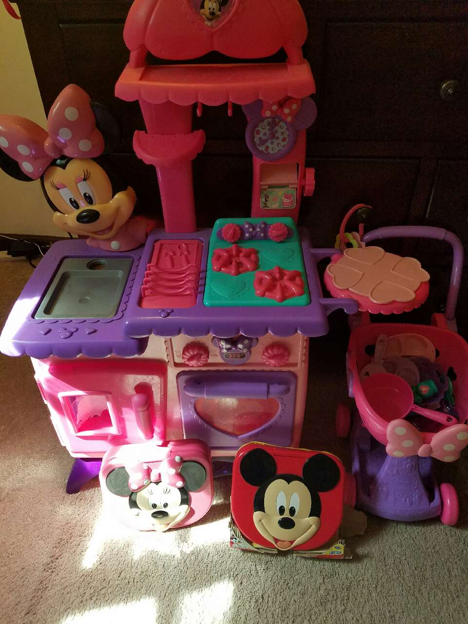 letgo minnie mouse kitchen set in bristol ct