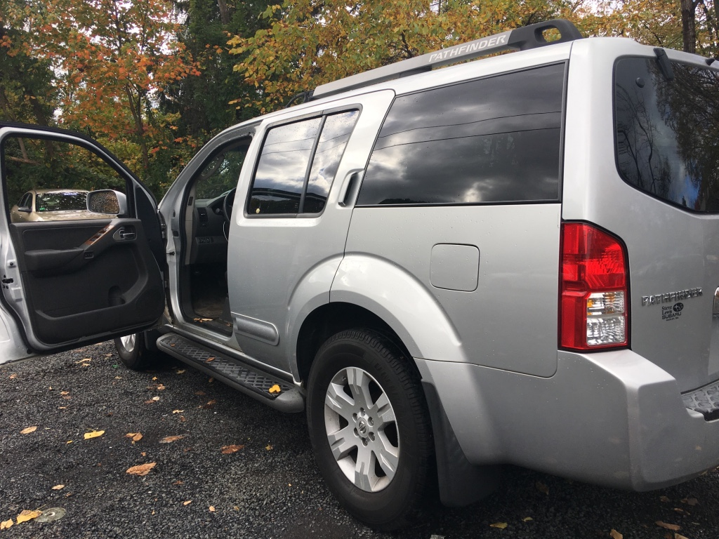 letgo 2005 nissan pathfinder le v in rockaway point ny. Black Bedroom Furniture Sets. Home Design Ideas