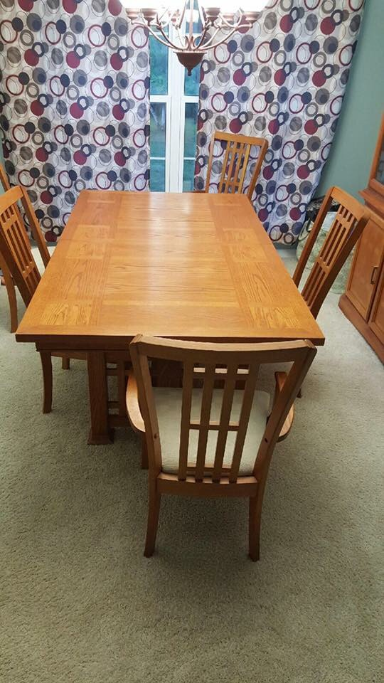 Letgo Dining Room Table Hutch In Plainfield IL