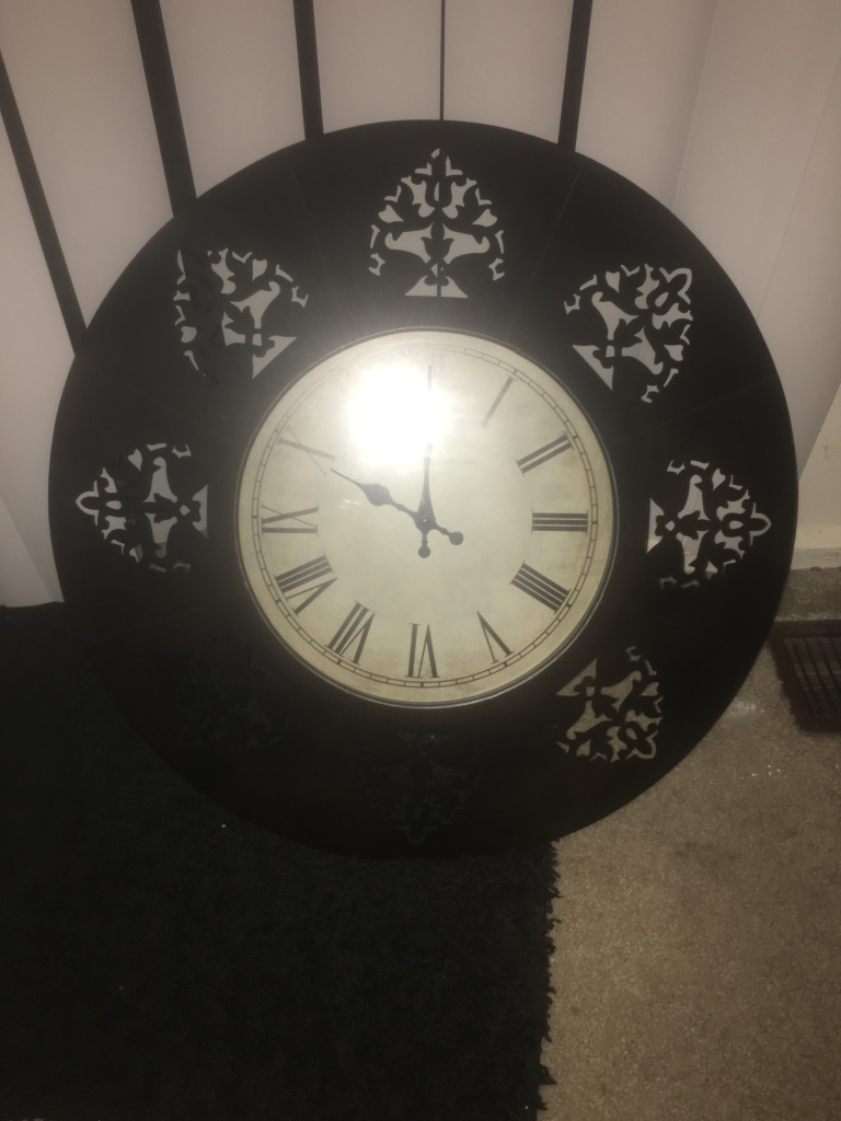 letgo black round wall analog clock in knoxville tn
