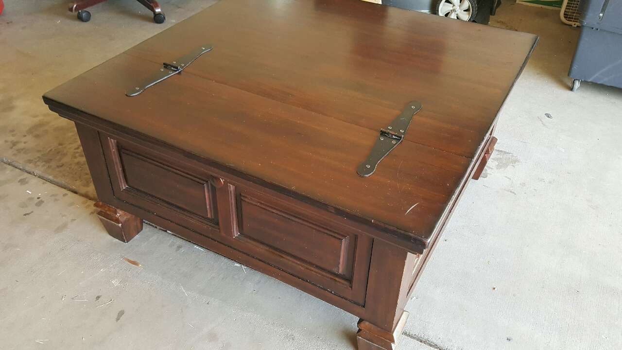 Letgo Coffee Table Flip Top With Sto In Guadalupe Az