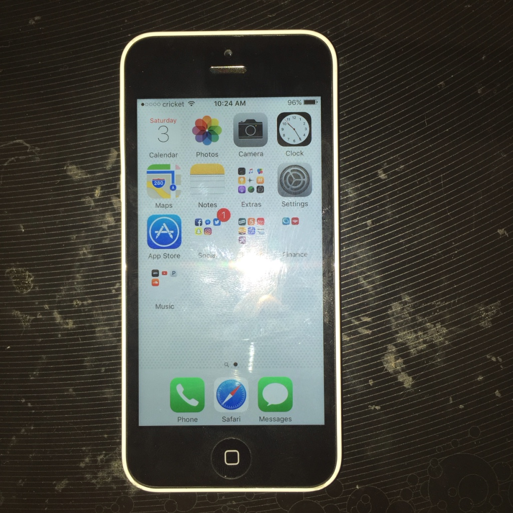 iphone 5c cricket letgo at amp t metro cricket white iphone in eau gallie fl 11094