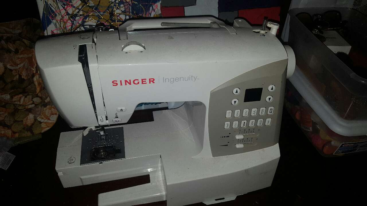Dec 01, · I recently participated in a charity sewing event, and I brought my serger to use for the day. I was so amused by my fellow sewists' reactions to my conebobbinspools of thread that I .
