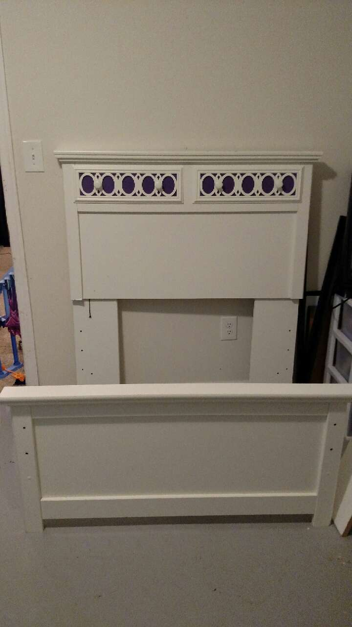 Letgo girls twin bed frame in bel air md for Girls twin bed frame