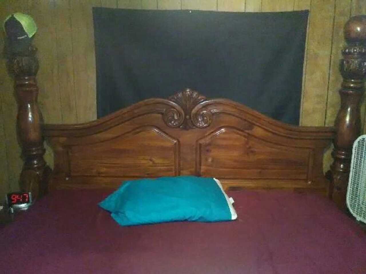 letgo Mahogany King Size Bedroom suite in Mabank TX