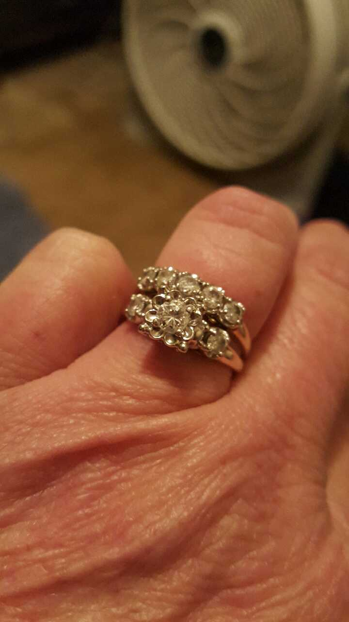 letgo La s 1kt Diamond Wedding Rings in Lucama NC