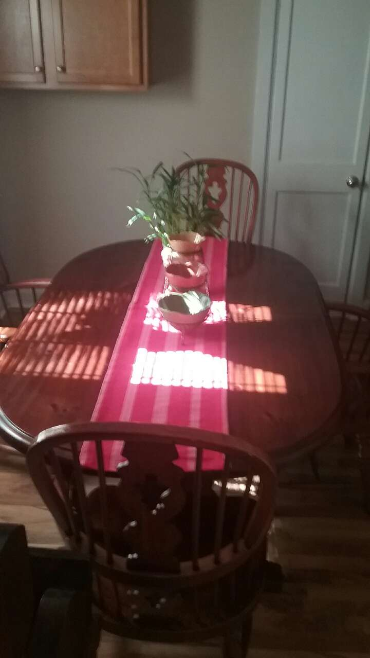 Letgo brown wooden oval table in greensboro nc for Table 6 greensboro nc