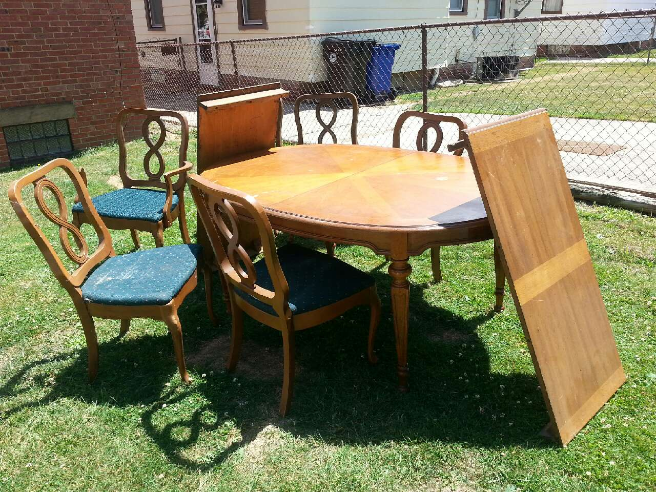 Letgo big a dining table in brooklyn oh for Table 6 ohio