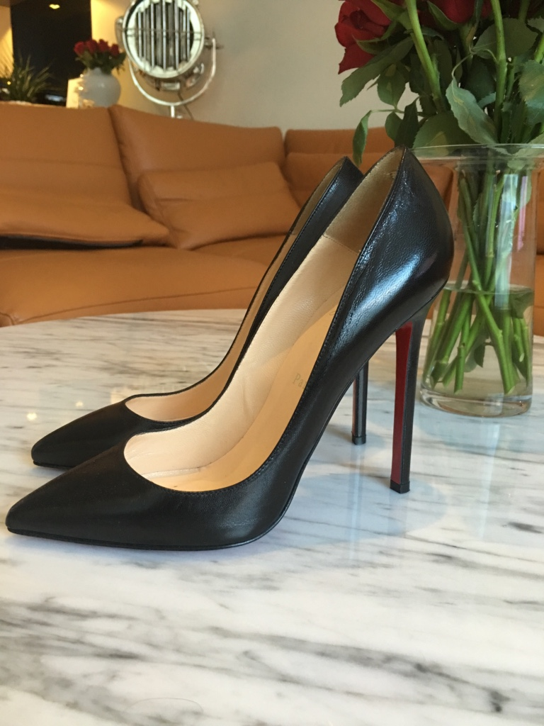 Christian Louboutin classic pumps  - Norge