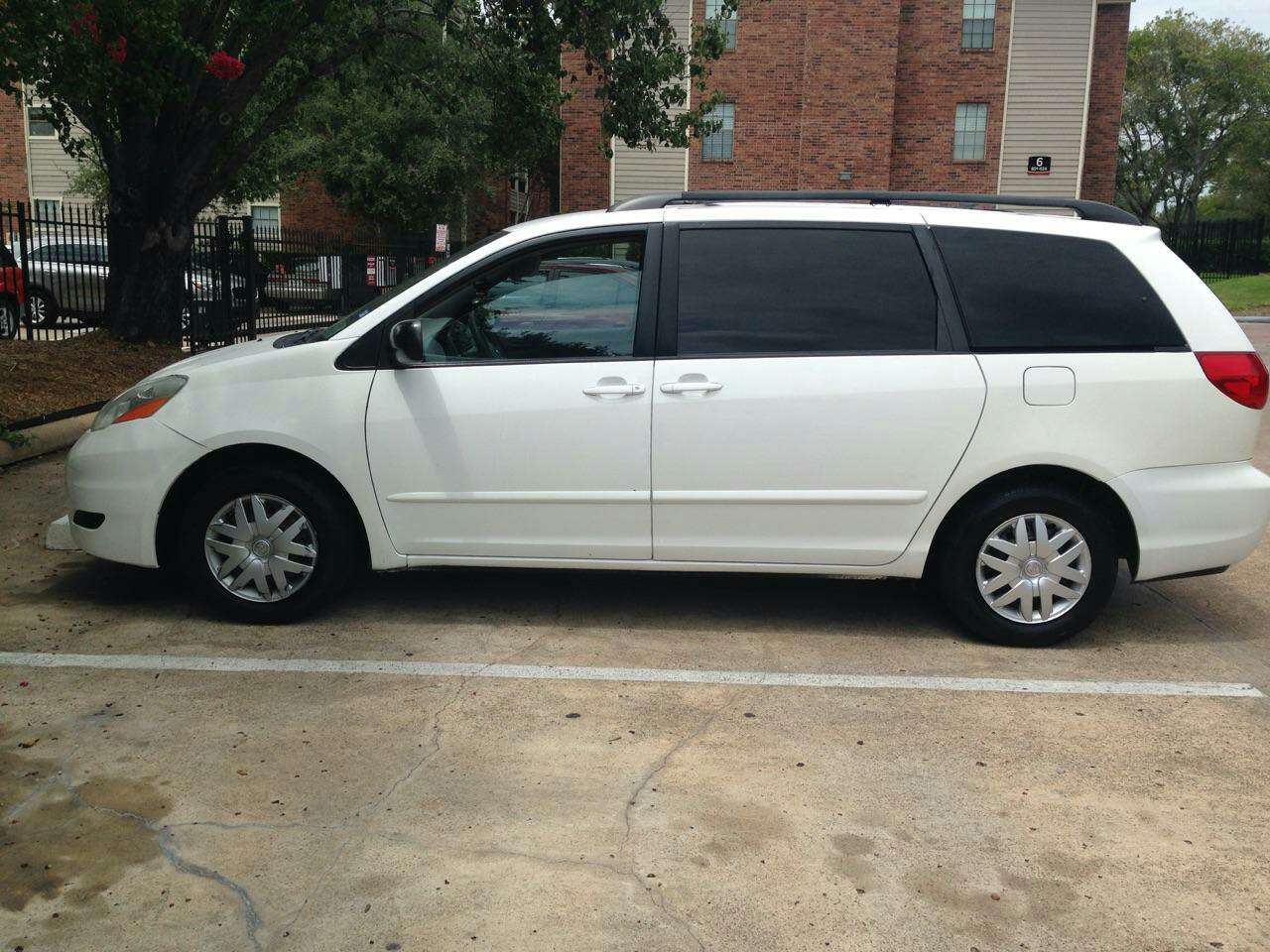 2008 Sienna Towing Capacity >> letgo - 2008 Toyota sienna minivan su... in Sharpstown, TX