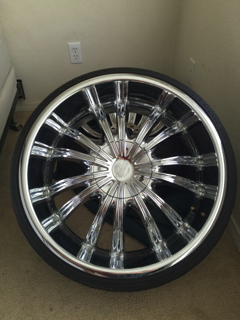 letgo 22 chrome rims low profile tires in el paso tx. Black Bedroom Furniture Sets. Home Design Ideas