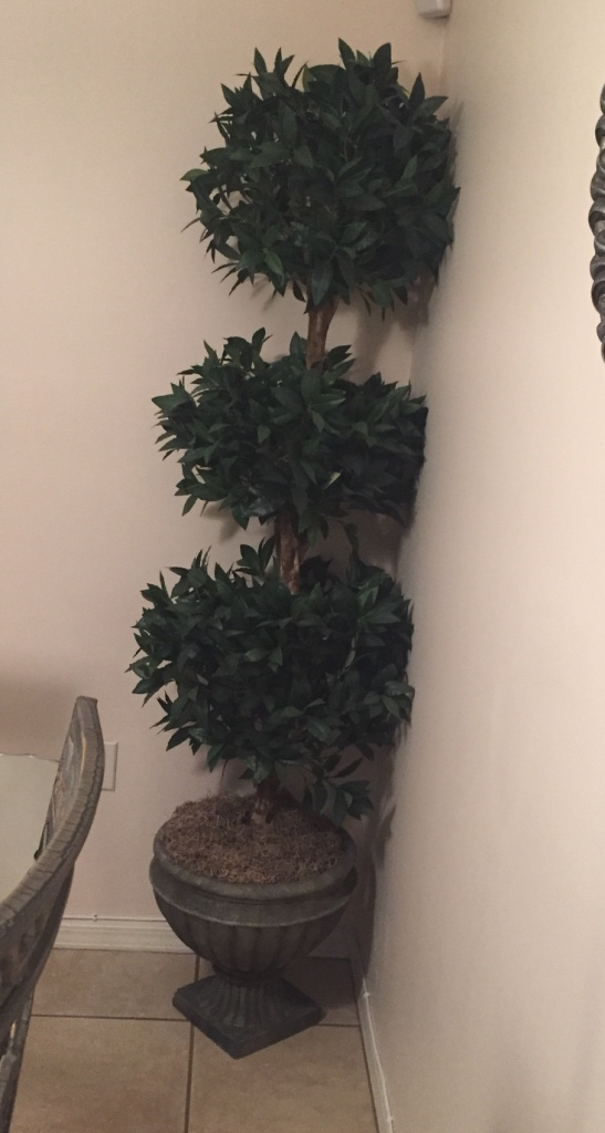 Letgo Artificial Topiary About 7 F In Hialeah Lakes Fl