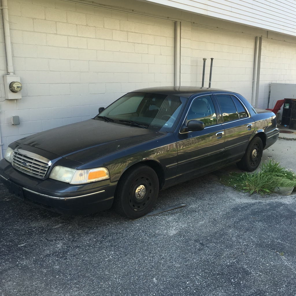 2004 Ford Crown Vic STREET APPEARAN... In Avalon, NJ