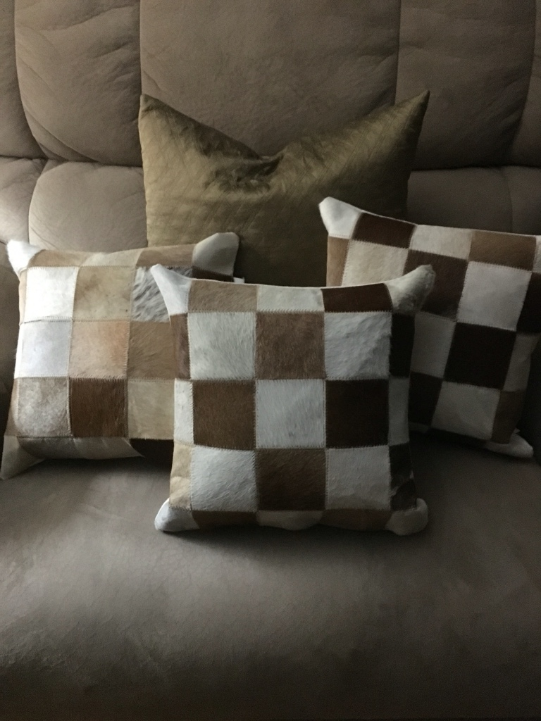 letgo - Animal hair decorative pillows in Limaville, OH