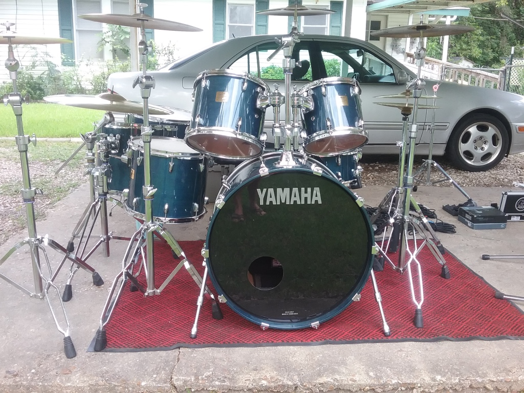 Letgo yamaha custom absolute drum set wit in dallas tx for Yamaha of dallas