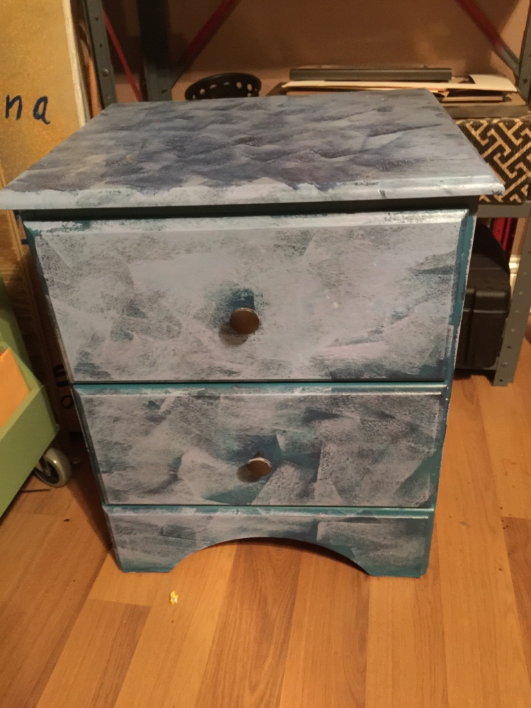 Letgo funky bedside table in dallas tx for Funky bedside tables