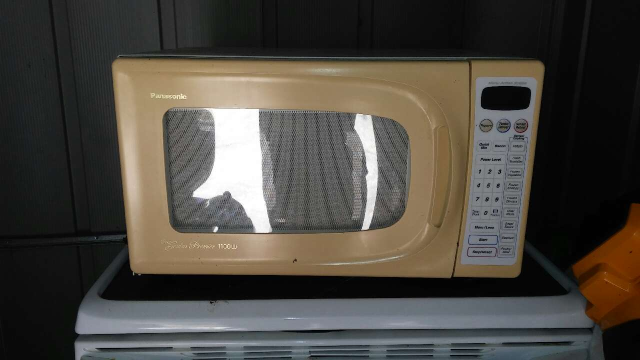 Countertop Microwave Beige : letgo - panasonic beige microwave oven in Four Oaks, NC