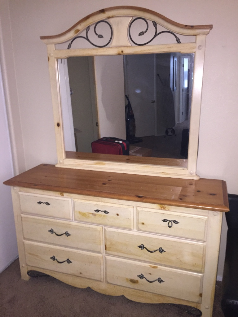 letgo 5 piece queen bedroom set in green valley nv