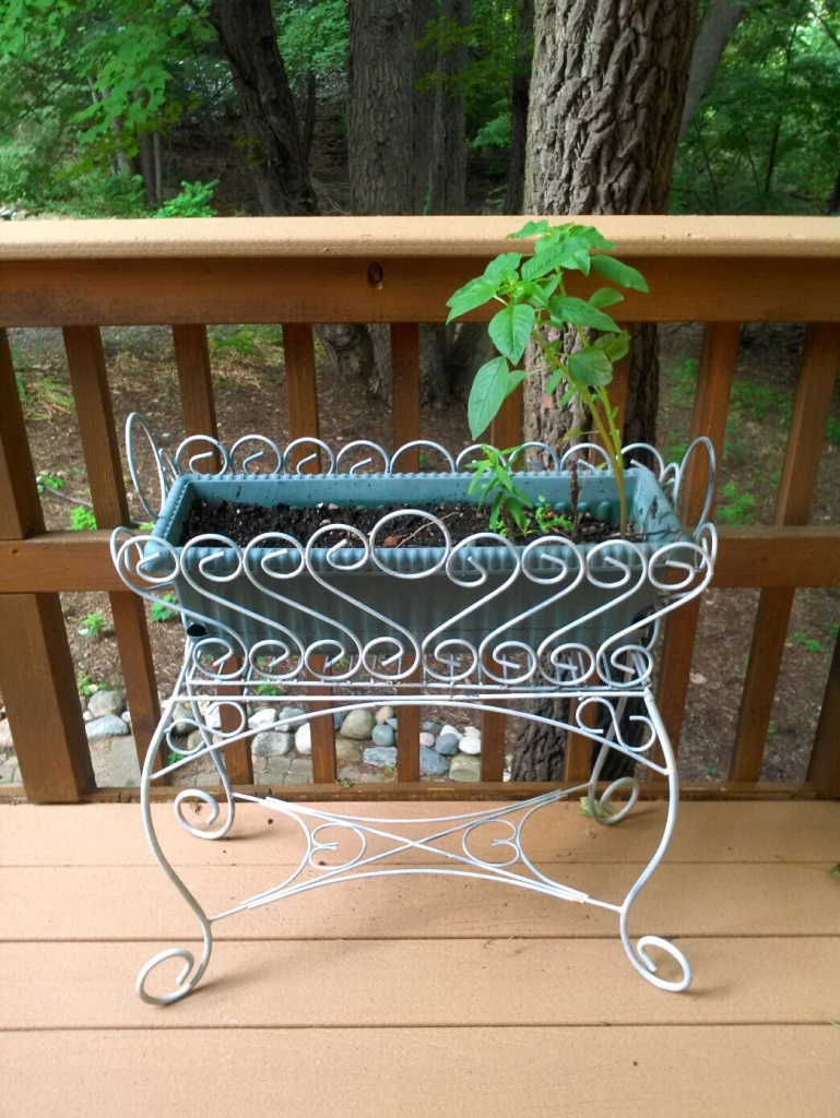 Letgo White Metal Framed Outdoor In Madison Heights Mi