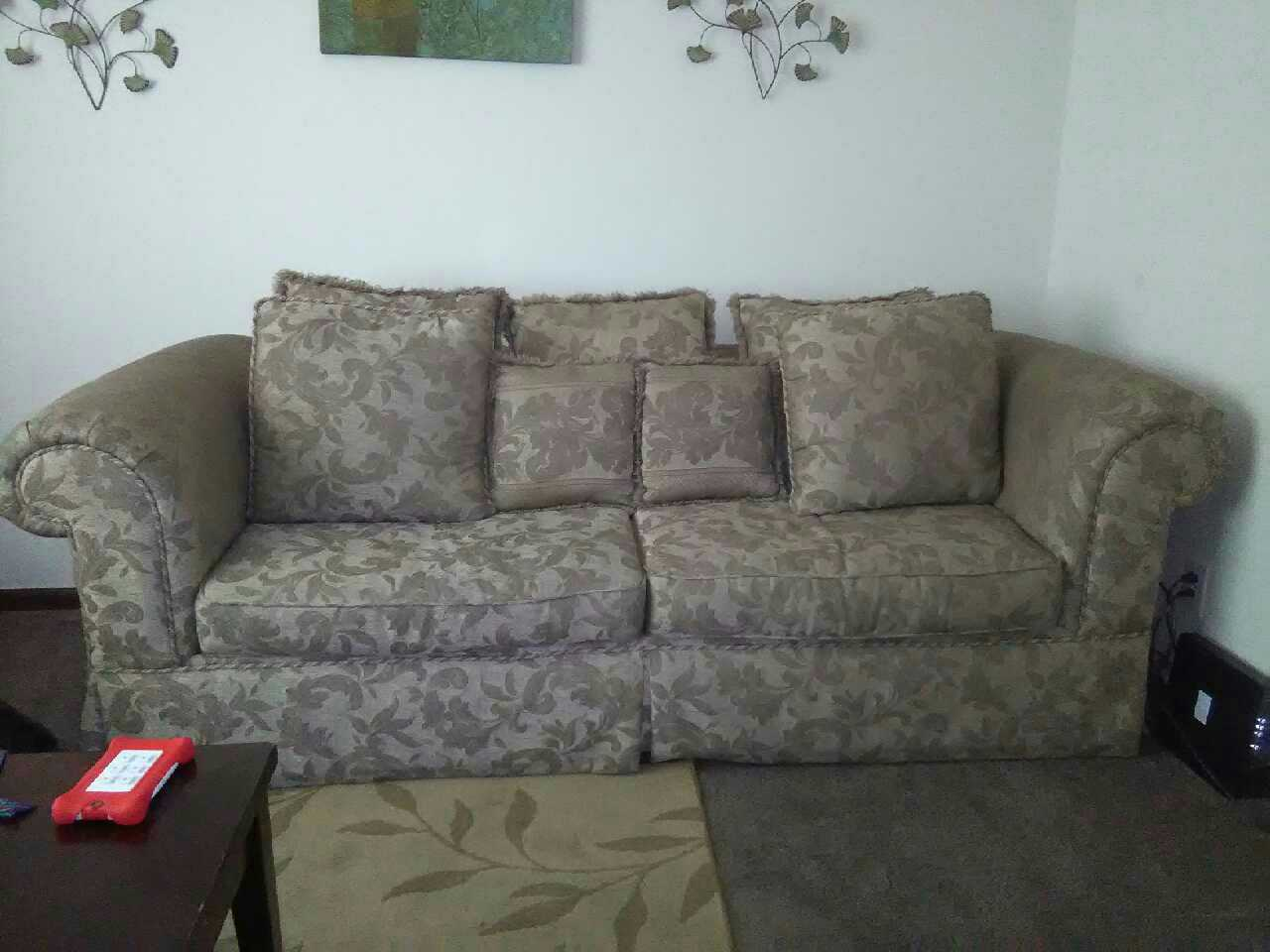 Letgo Sofa And Love Seat In Grayson Valley Al