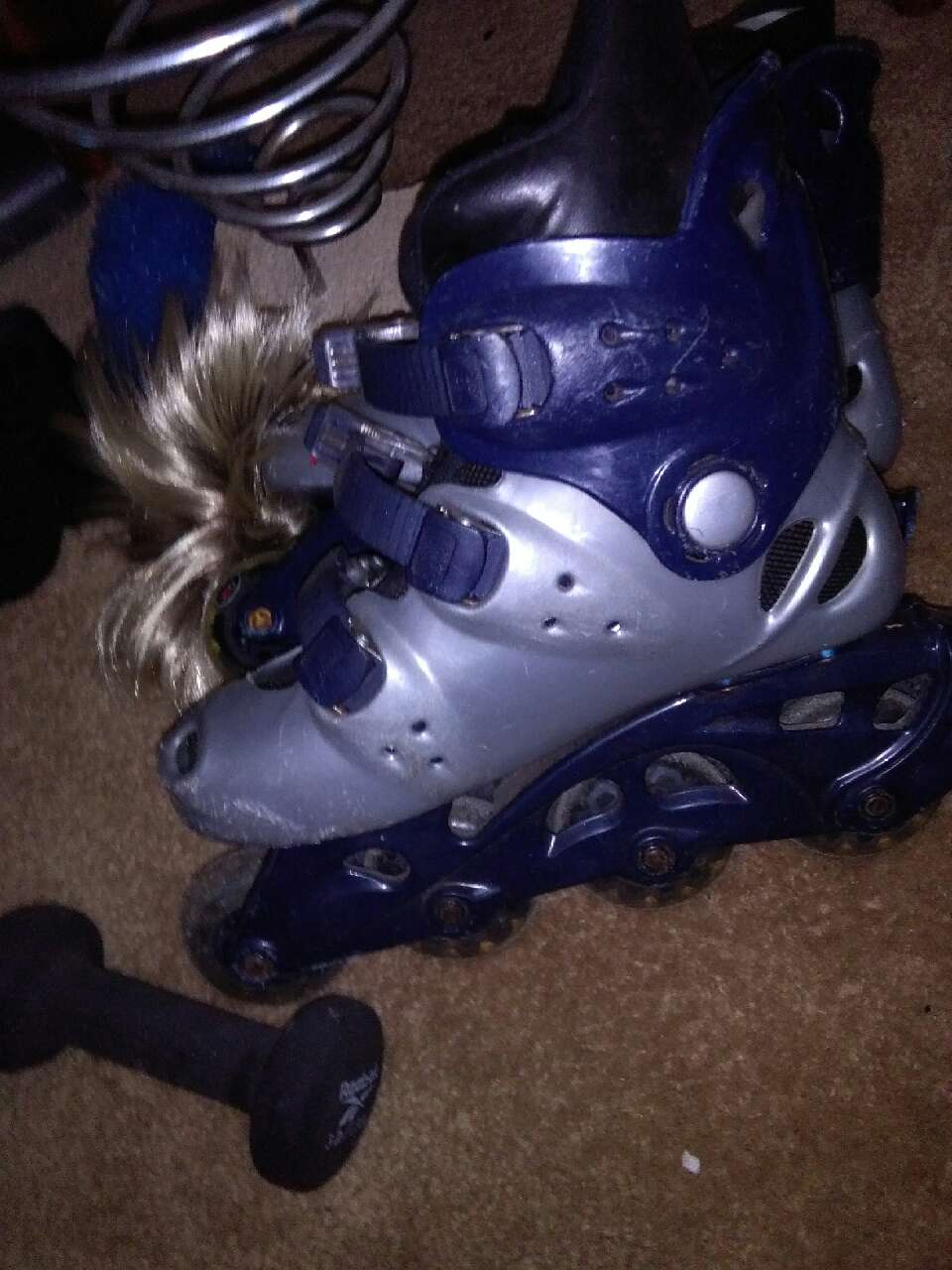grey and blue inline skates