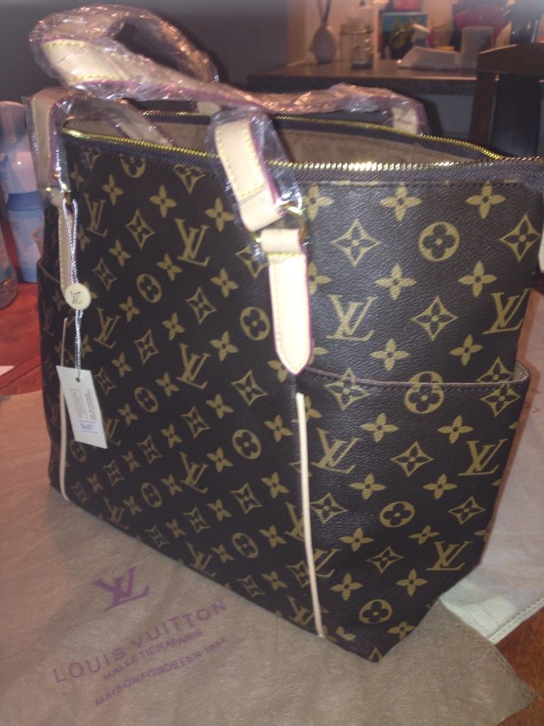 Used crib for sale atlanta - Black Leather Louis Vuitton Tote Bag
