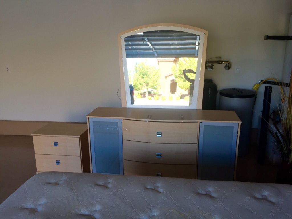 letgo 5 pc queen bedroom set in las vegas nv