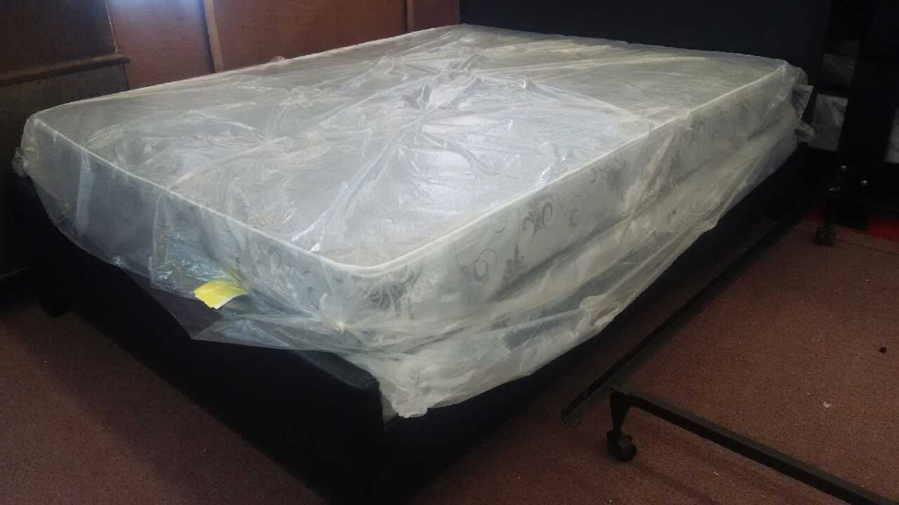 letgo Mattress sale in River Oaks TX