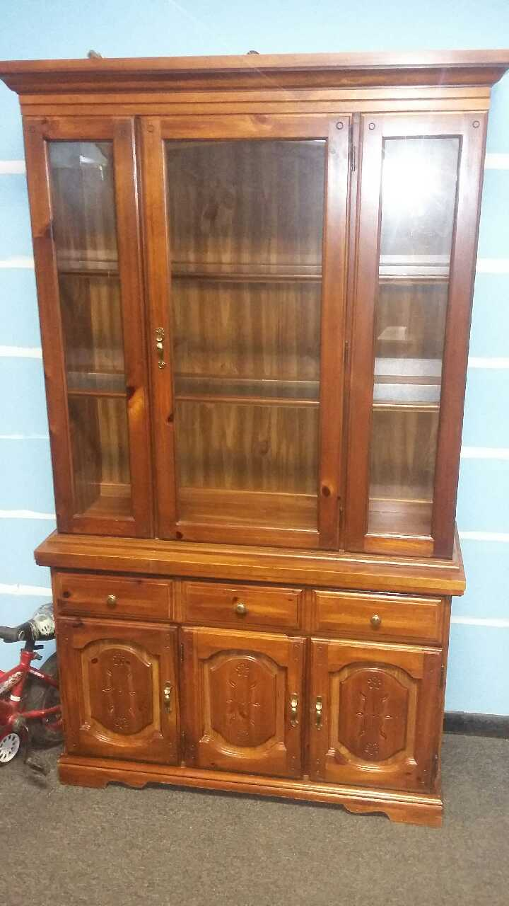 Letgo Lighted Broyhill China Cabinet W In Scottdale Pa