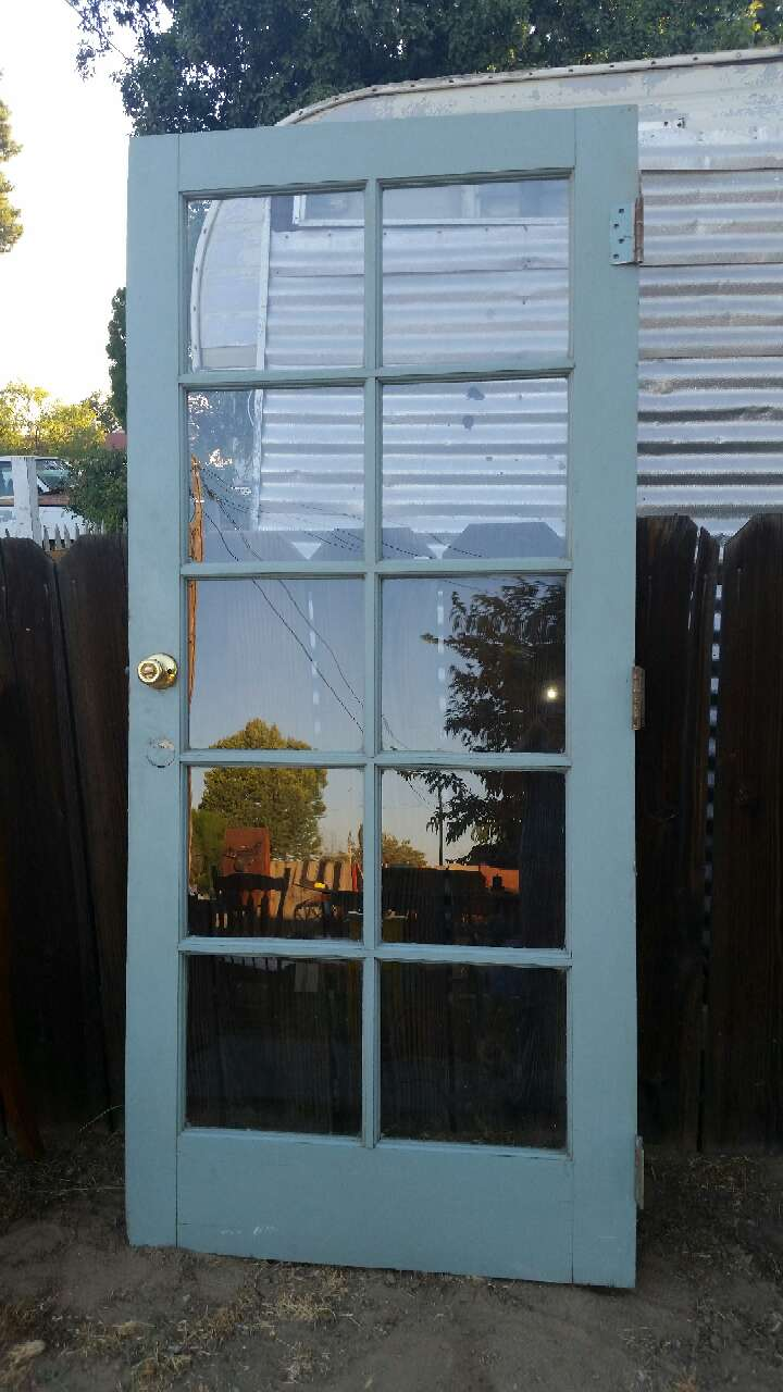 Letgo white wooden 10 panel glass door in mettler ca for 10 pane glass door