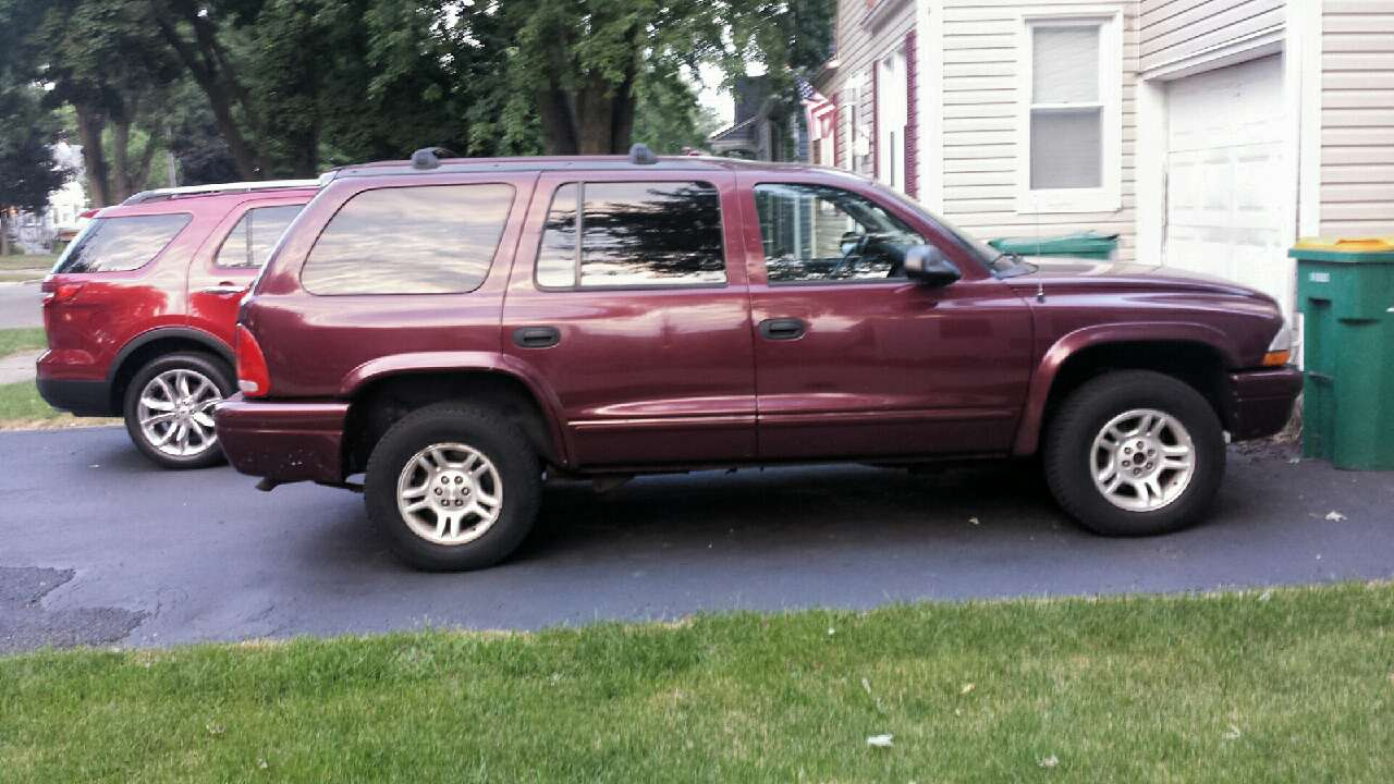 letgo 2003 dodge durango slt 4x4 in shorewood il. Black Bedroom Furniture Sets. Home Design Ideas