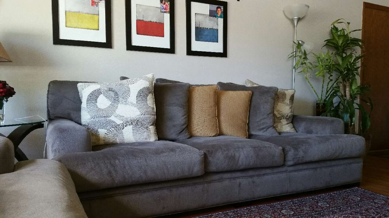 Letgo Cindy Crawford Collection Sofa In Des Plaines Il