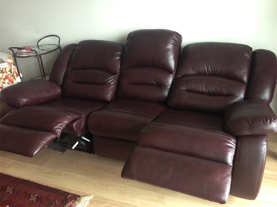 Like new genuine leather brown reclin in gatineau letgo for Genuine leather sectional sofa toronto