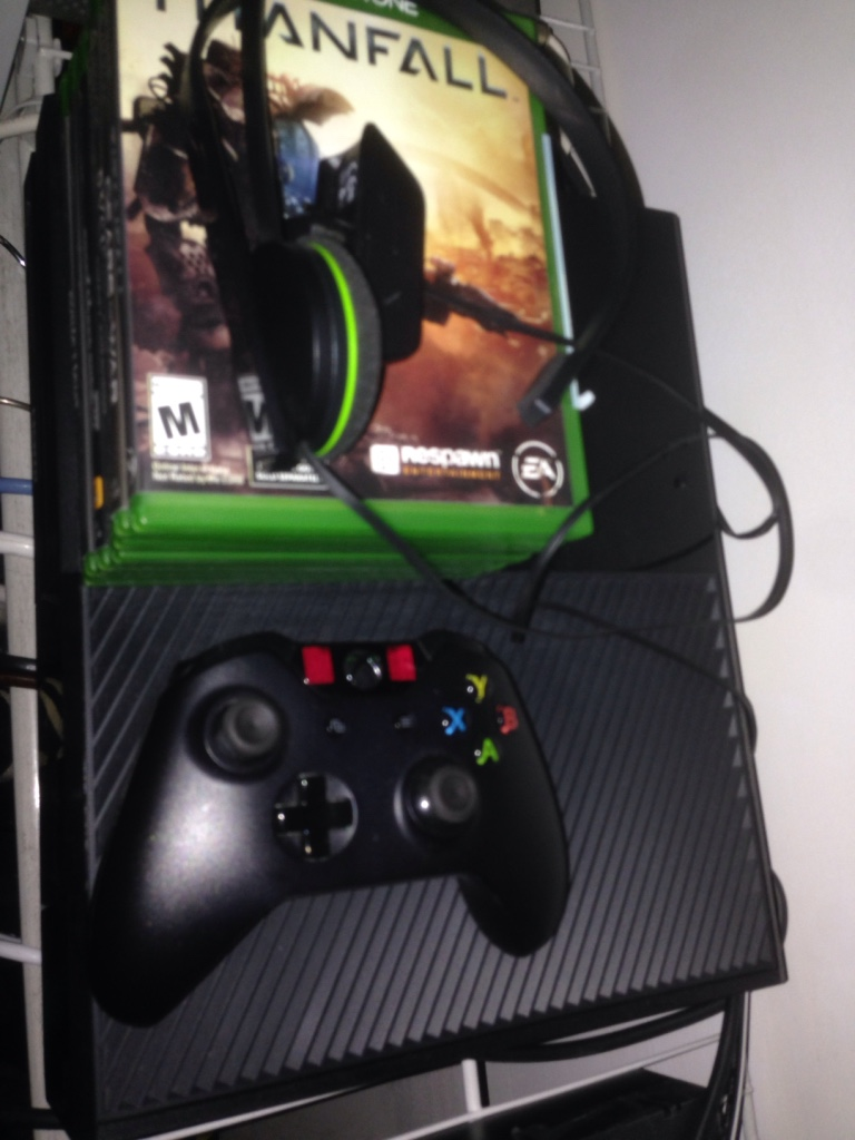 letgo - Xbox one for sale $220 in Castle Point, NJ