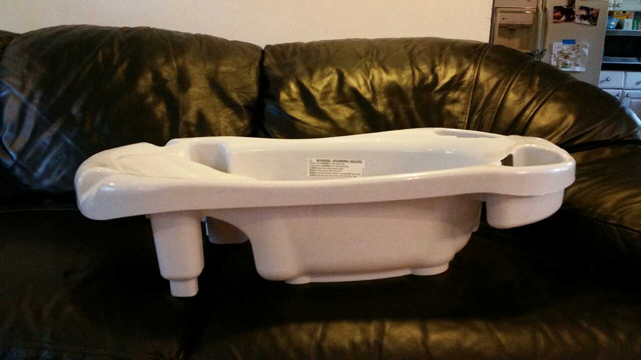 letgo baby bath tub in fairdale ky. Black Bedroom Furniture Sets. Home Design Ideas