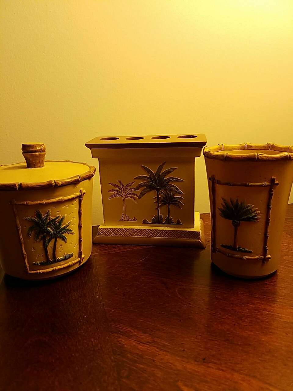 Letgo Tropical Theme Ceramic Ba In South Plainfield Nj