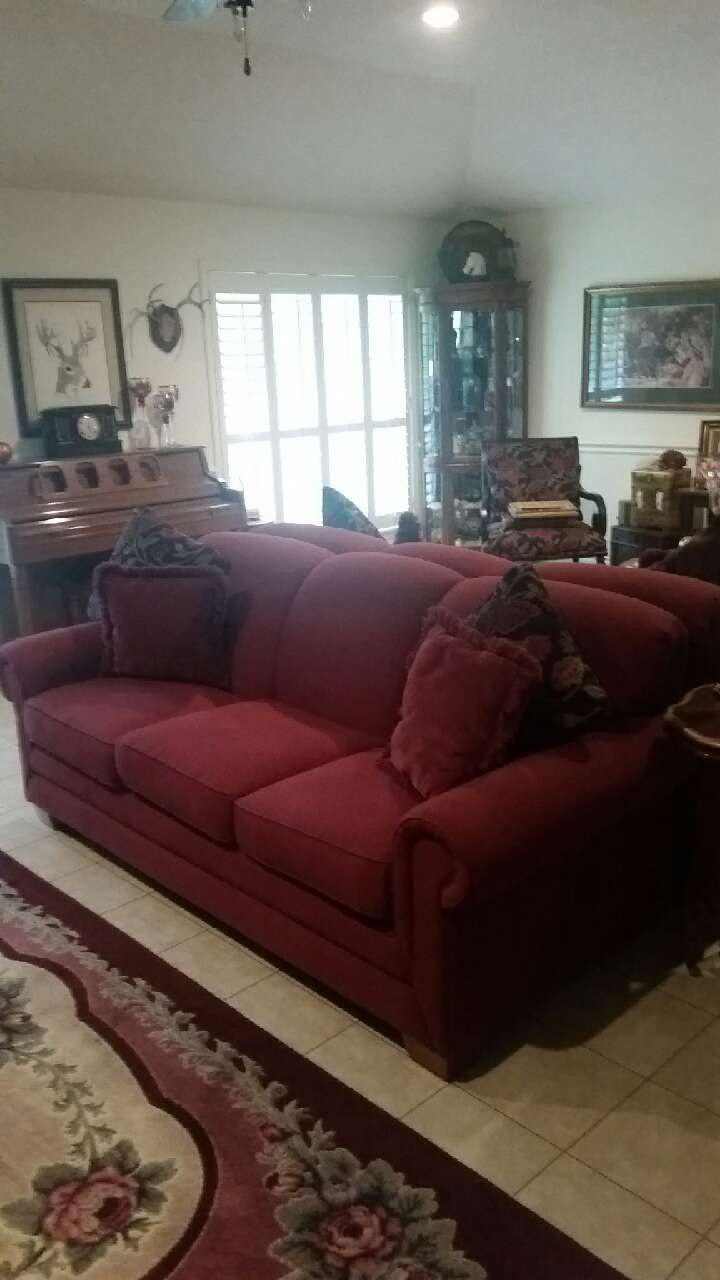 Lazyboy couch excellent condition