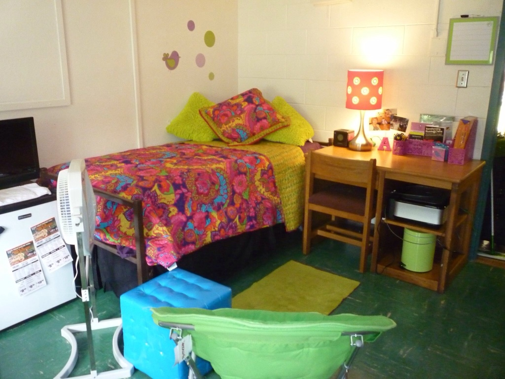 Letgo  Dorm Room Set In Fairborn, Oh. Beach Decoration Ideas. Rooms To Go Tables And Chairs. Decorative Wall Paneling. Decorating Small Hallways. Living Room Center Table Decoration Ideas. Bulk Decorative Paper. Program For Room Design. Nursing Graduation Decorations
