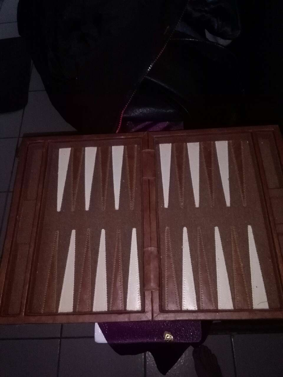 brown and white backgammon