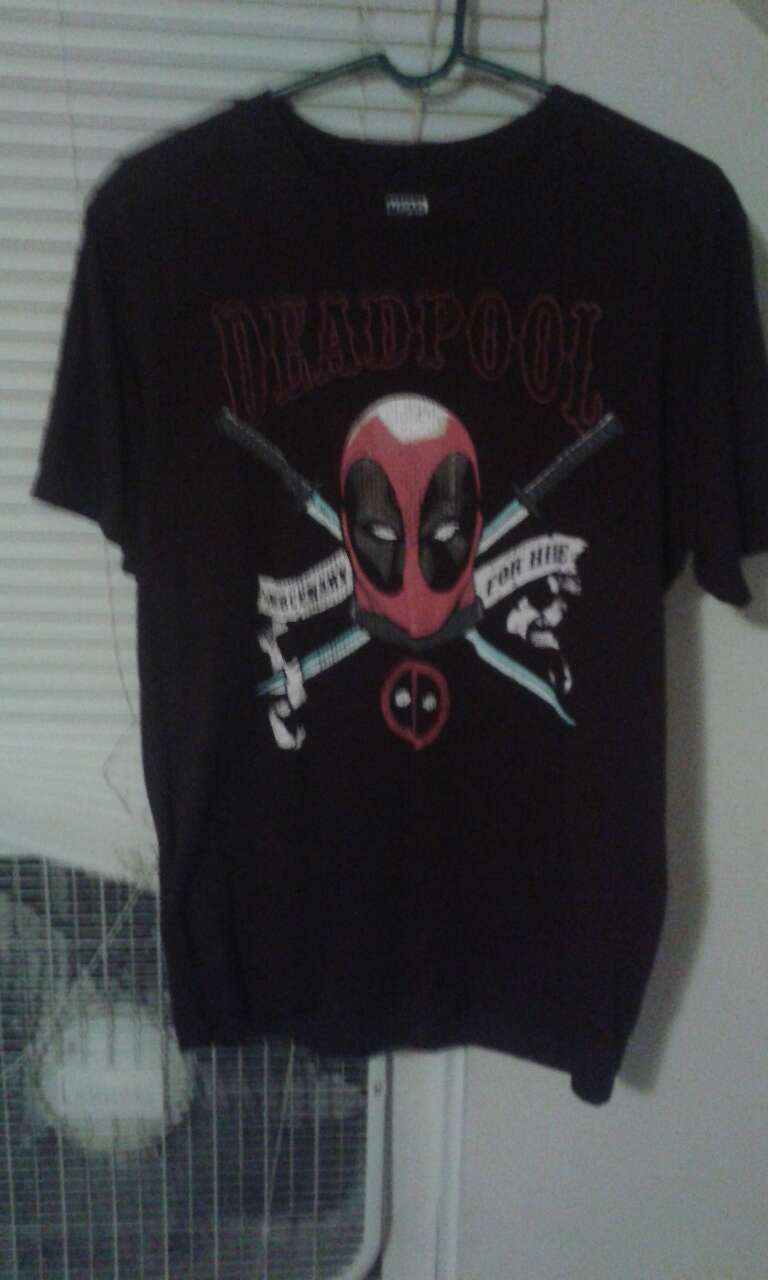 letgo black and red deadpool print c in westerville oh