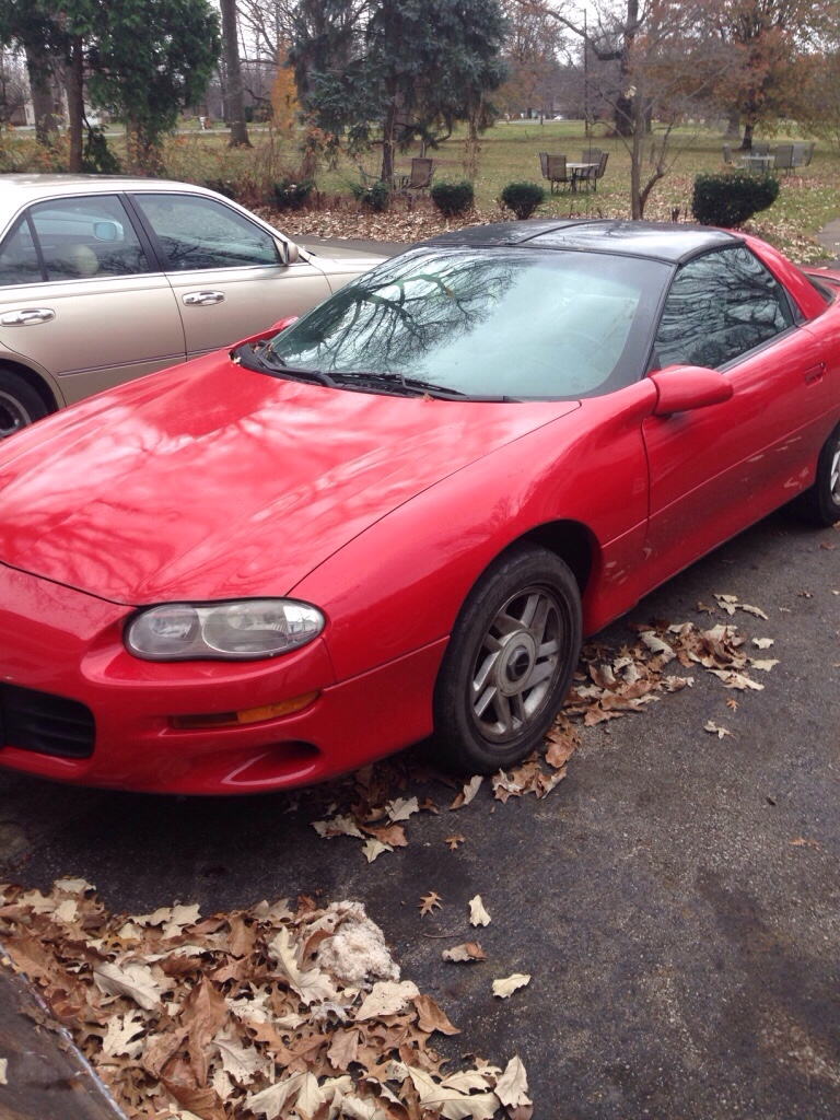 letgo 2000 chevy camaro t top in upper arlington oh. Black Bedroom Furniture Sets. Home Design Ideas