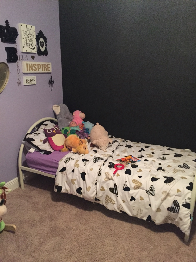 Letgo twin bed mattress not included in gulfport ms for Twin bed with mattress included
