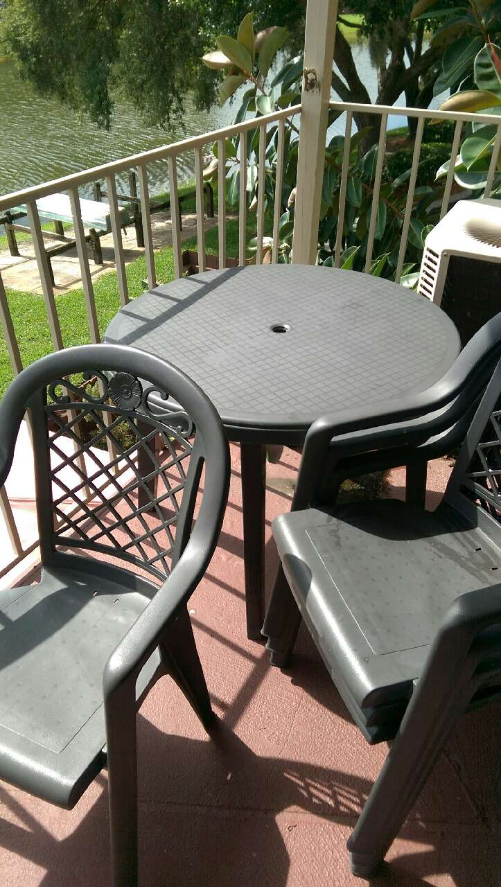 Letgo patio table with chairs in odessa fl for Table design odessa fl
