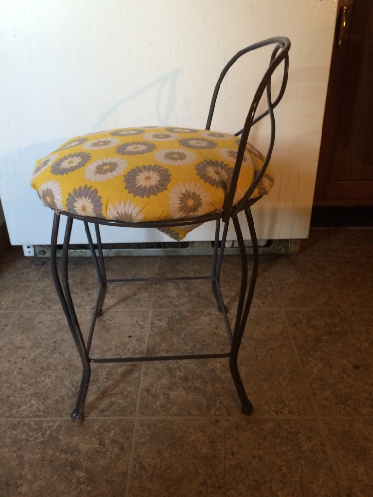 Letgo Vintage Vanity Chair W Padded In Granite City Il