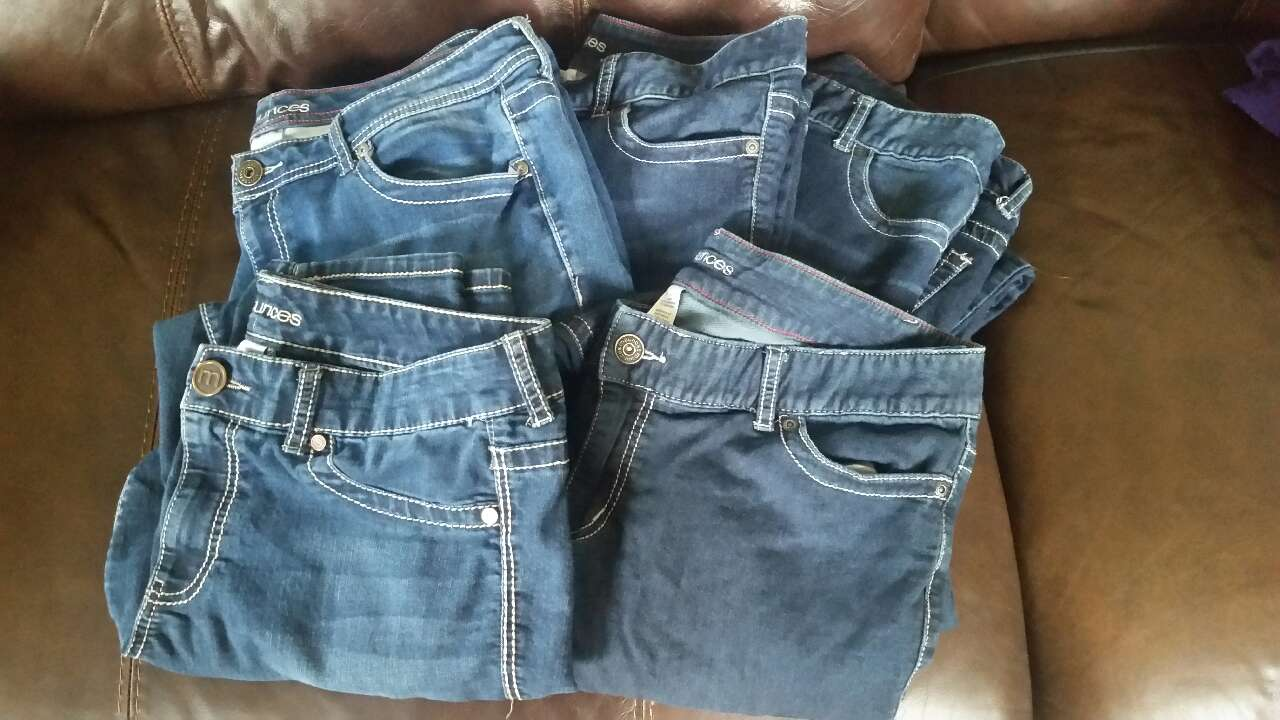 Bonavita crib for sale used - 5 Pair Size Xl Maurices Jeans