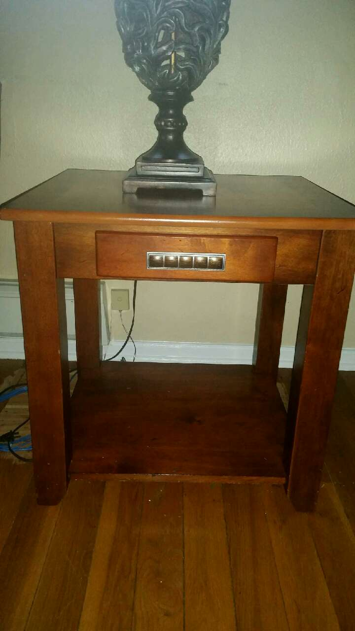 Letgo coffee table and end tables in wildwood pa for Table 6 wildwood mo